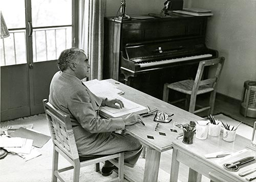 Carlos Chávez in the study of his house