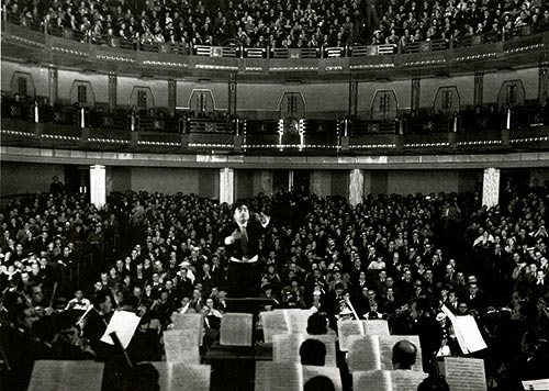 Carlos Chávez conducting the Mexico Symphony Orchestra